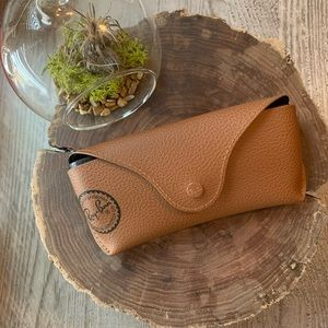 NWOT Tan Ray•Ban case